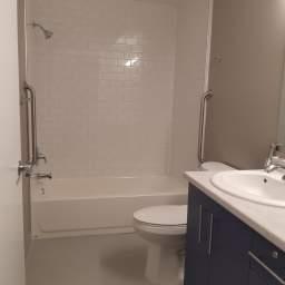 Main bath with soaker tub